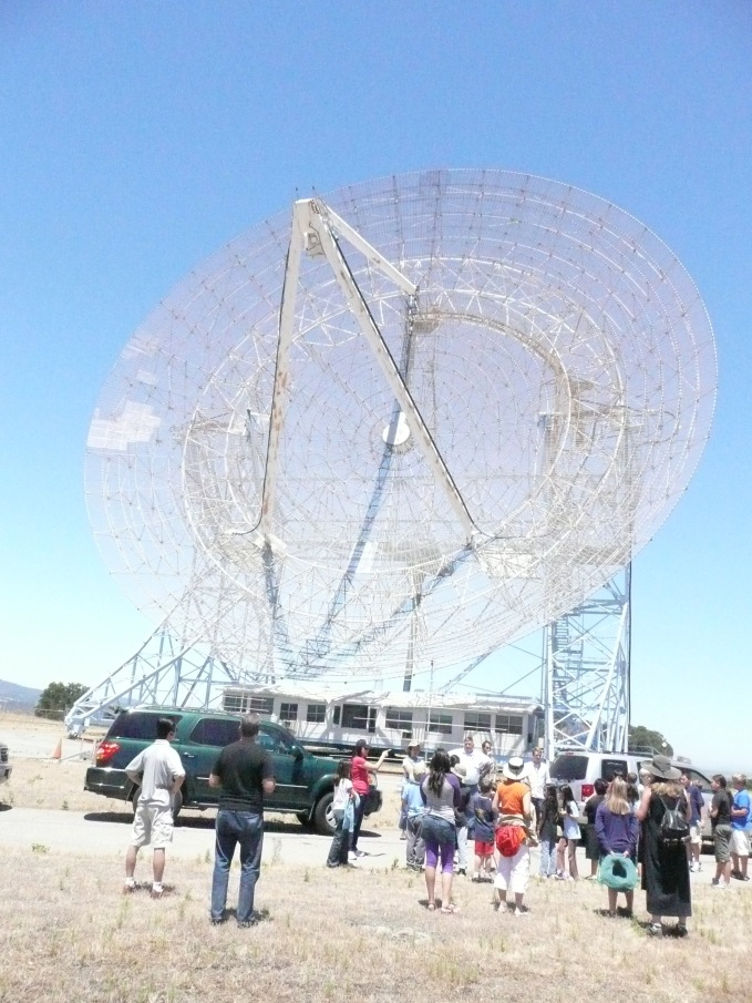 Arriving at the Dish for a tour of the Stanford Radio Telescope